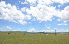 草原蓝天白云