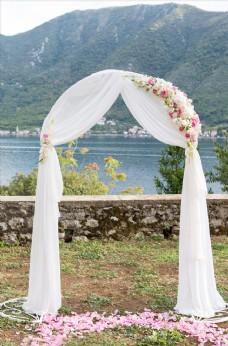 美丽的婚纱拱门白沙